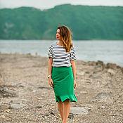 Одежда ручной работы. Ярмарка Мастеров - ручная работа Юбка из костюмной ткани с воланом зеленая. Handmade.