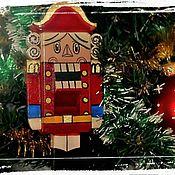 Подарки к праздникам ручной работы. Ярмарка Мастеров - ручная работа Щелкунчик деревянный под фундук. Handmade.