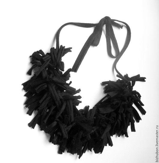 """Колье, бусы ручной работы. Ярмарка Мастеров - ручная работа. Купить Текстильные бусы """"Reason"""". Handmade. Черный, трикотажные штаны"""
