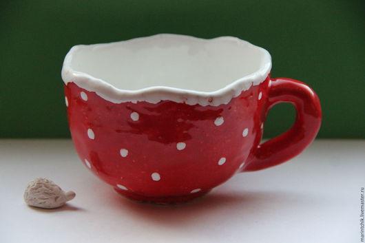 Кружки и чашки ручной работы. Ярмарка Мастеров - ручная работа. Купить Чашка красная, горошки белые. Handmade. белый