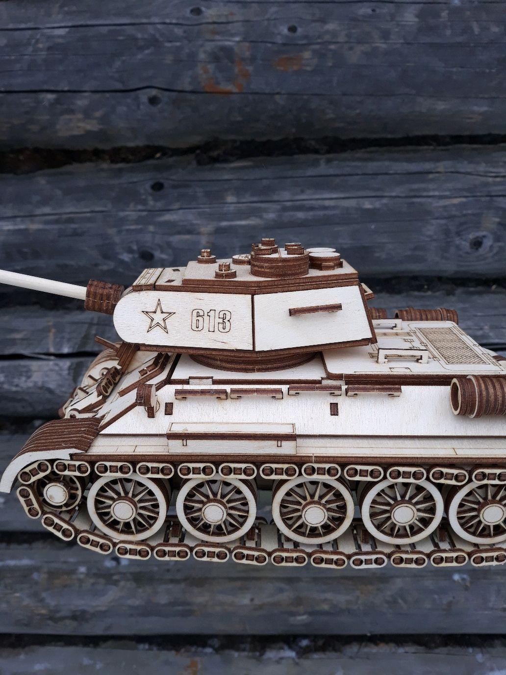 Танк Т-34-85 деревянный. Готовая модель, Техника роботы транспорт, Вичуга,  Фото №1