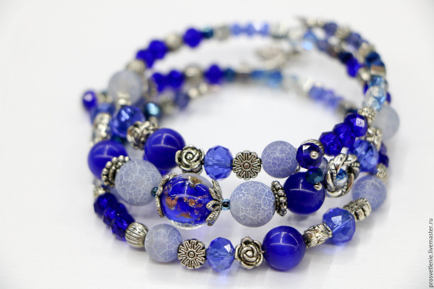 Decoration Svetlana Boiko to buy at the Fair Masters. Stylish blue bracelet made of natural stones in the style boho. Buy bahamasnet of natural stones in gift girl woman
