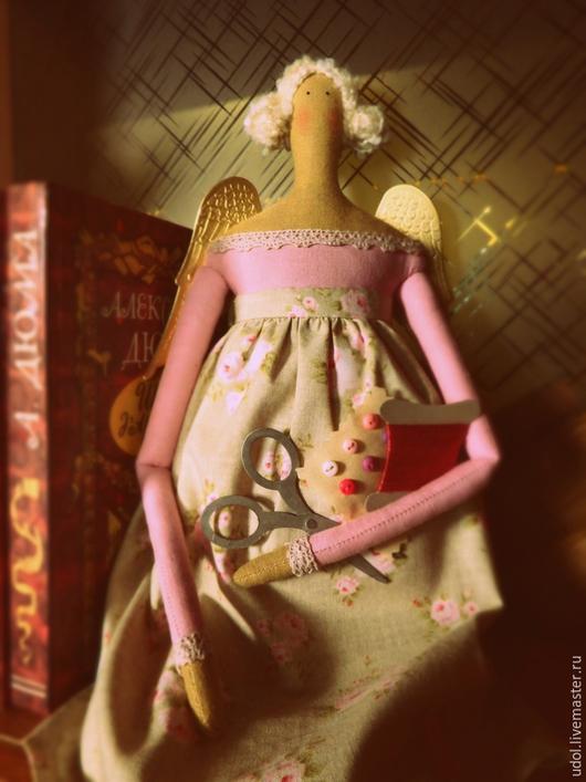 Куклы Тильды ручной работы. Ярмарка Мастеров - ручная работа. Купить Ангел домашнего рукоделия. Handmade. Рукоделие, розовый