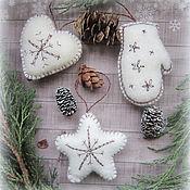 Подарки к праздникам ручной работы. Ярмарка Мастеров - ручная работа Фетровые игрушки на елку Пушистые. Handmade.