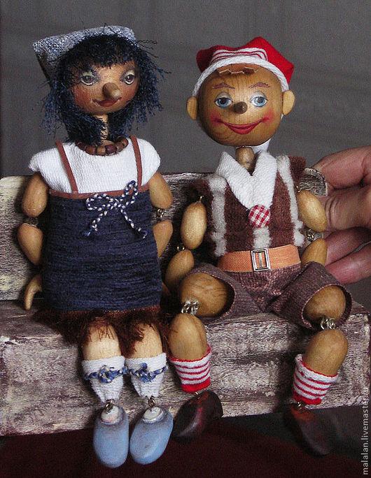 """Человечки ручной работы. Ярмарка Мастеров - ручная работа. Купить авторские куклы """"Деревянная парочка"""". Handmade. Сувениры и подарки, дерево"""