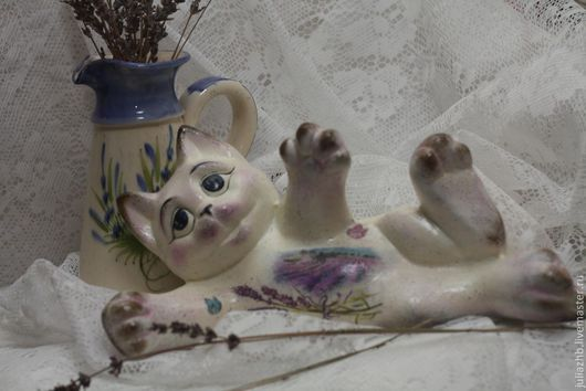 """Статуэтки ручной работы. Ярмарка Мастеров - ручная работа. Купить Кот """"Лавандовый"""" (керамика). Handmade. Белый, кошка, акрил"""