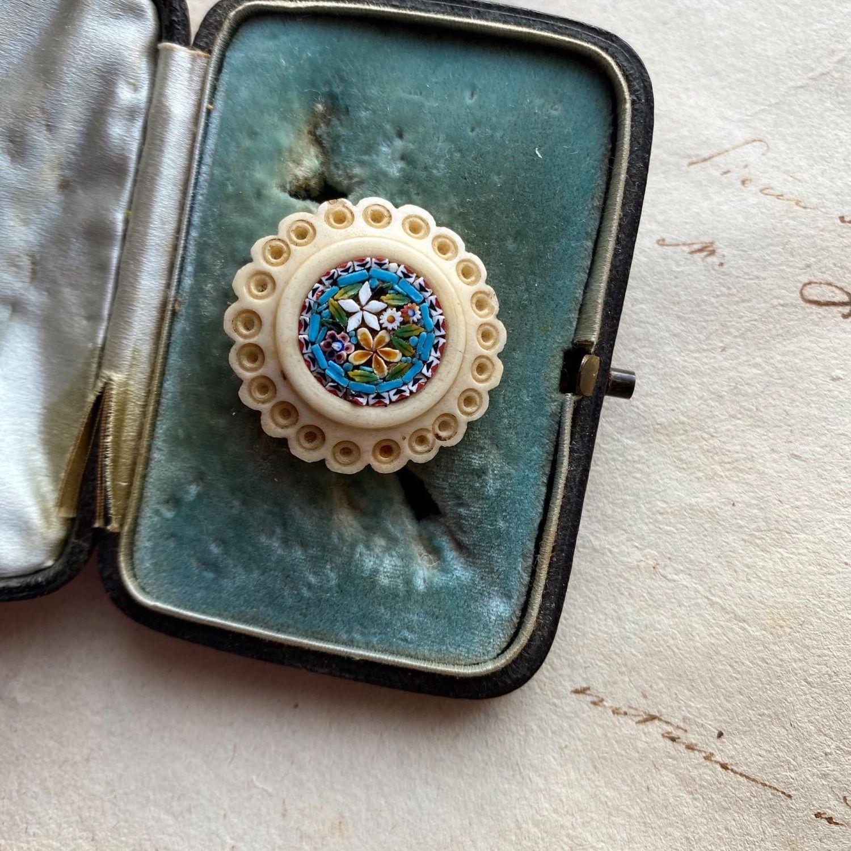 Винтаж: Антикварная брошь из кости с микромозаикой, Броши винтажные, Москва,  Фото №1
