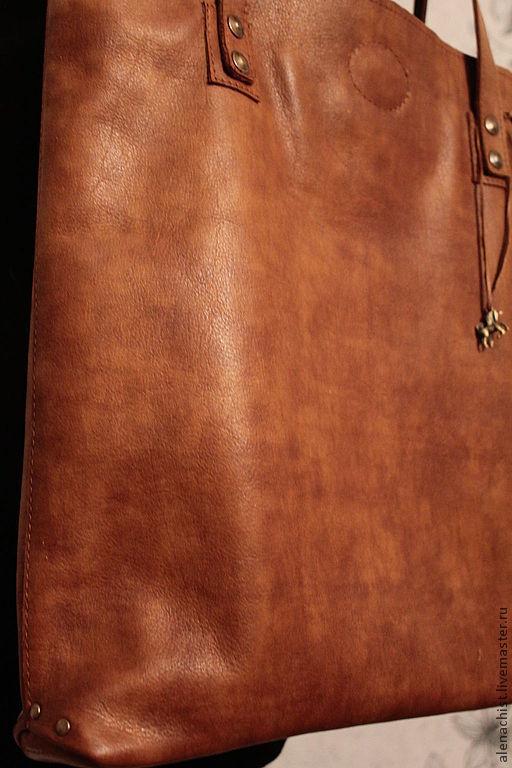 Женские сумки ручной работы. Ярмарка Мастеров - ручная работа. Купить Кожаная сумка Выдержанный коньяк. Handmade. Коричневый