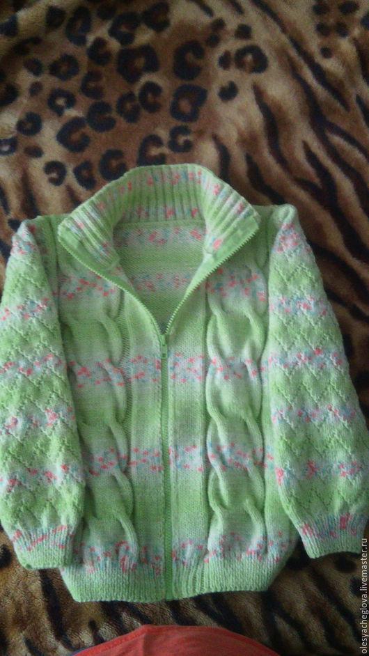 Теплый уютный свитер, согреет вашего ребенка в холодную погоду, подойдет как для мальчика так и  для девочки) свяжу на заказ. Свитер на молнии