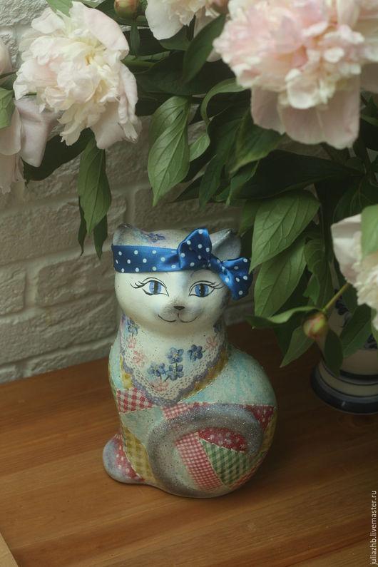 Статуэтки ручной работы. Ярмарка Мастеров - ручная работа. Купить Печки-лавочки (кошка, керамика). Handmade. Комбинированный, пэтчворк, горошек