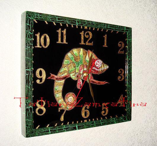"""Часы для дома ручной работы. Ярмарка Мастеров - ручная работа. Купить Часы """"Хамелеон"""". Handmade. Хамелеон, для дома, Витраж"""