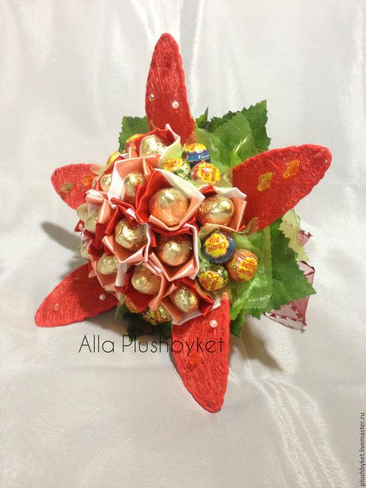 Букеты ручной работы. Ярмарка Мастеров - ручная работа. Купить Сладкий цветок с конфетами и чупсами. Handmade. Ярко-красный
