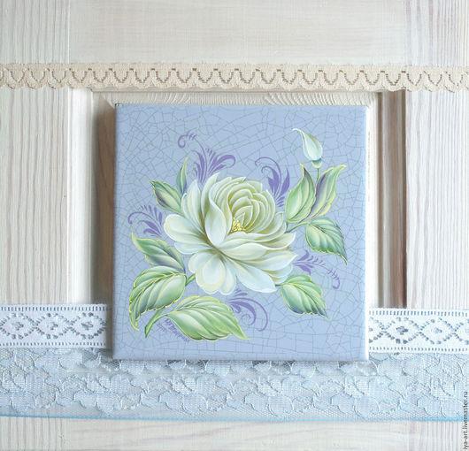 `Белая роза`. Авторская ручная роспись в технике Жостово. Роспись по керамической плитке. Прекрасно дополнит интерьер в стиле шебби-шик, прованс, винтаж, ретро.