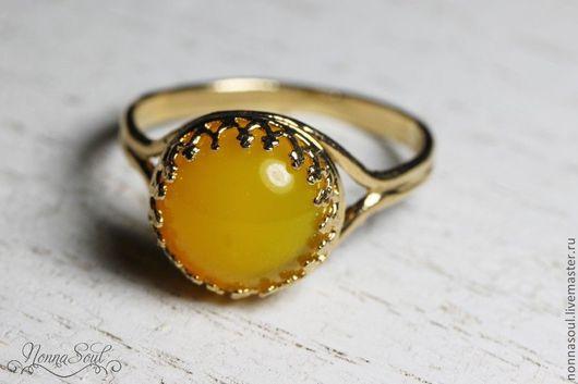 Кольца ручной работы. Ярмарка Мастеров - ручная работа. Купить Позолоченное круглое кольцо с желтым агатом (маленькое). Handmade. Желтый