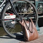 Сумка-мешок ручной работы. Ярмарка Мастеров - ручная работа Коричневая кожаная женская сумка мешок шоппер. Handmade.
