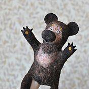 Куклы и игрушки ручной работы. Ярмарка Мастеров - ручная работа Игрушка на руку Мишка. Handmade.