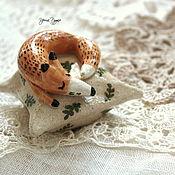 Для дома и интерьера ручной работы. Ярмарка Мастеров - ручная работа Керамические лисики на подушечках. Handmade.