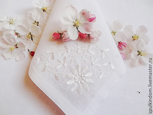 napkin with embroidery tenderness `sulkin house` embroidery workshop