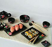 Куклы и игрушки ручной работы. Ярмарка Мастеров - ручная работа Суши сет, набор посуды и суши для кукольного домика, масштаб 1:12. Handmade.