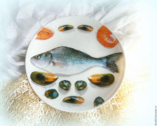 Животные ручной работы. Ярмарка Мастеров - ручная работа. Купить декоративная тарелка Рыбный день. Handmade. Декоративная тарелка, рыба