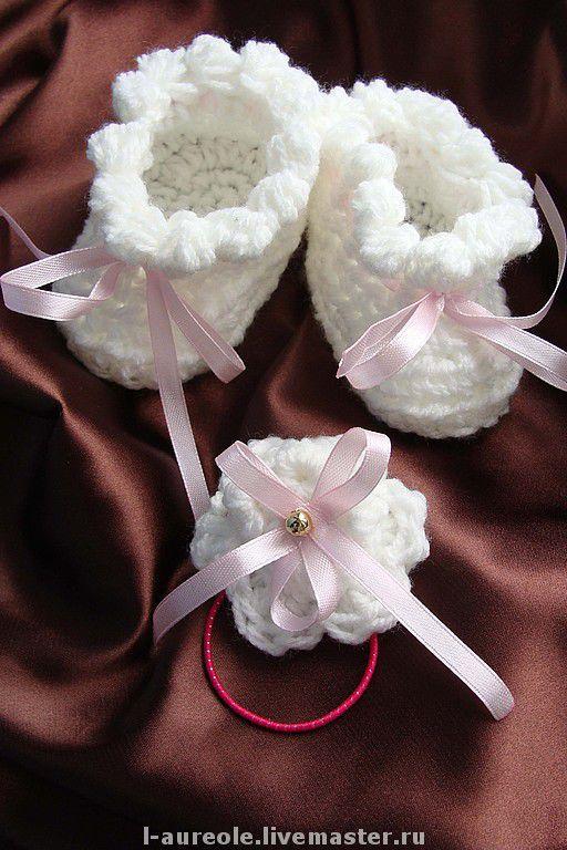 """Пинетки  """"Шишечки-зефирки"""" белые с розовым бантиком для девочки и в комплекте с резиночкой для маленькой принцессы (резиночка не входит в стоимость)"""