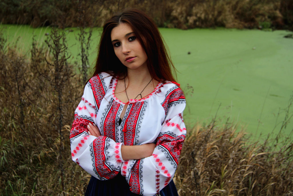 Славянская рубашка женская