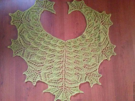 """Шали, палантины ручной работы. Ярмарка Мастеров - ручная работа. Купить Бактус """"Зеленые листья"""". Handmade. Тёмно-зелёный, бактус"""