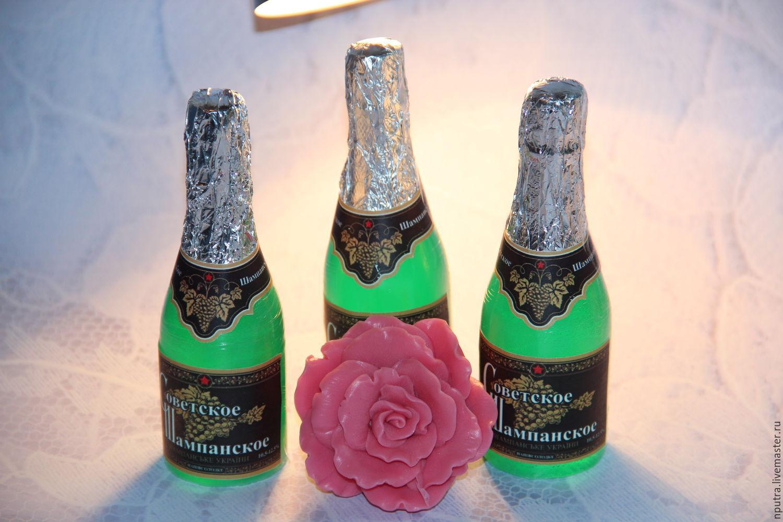 Суёт бутылку от шампанского, Села на бутылку -видео. Смотреть Села на бутылку 14 фотография