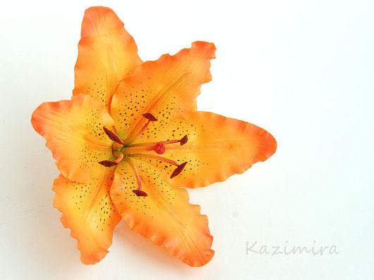 Заколки ручной работы. Ярмарка Мастеров - ручная работа. Купить Оранжевая лилия. Handmade. Лилия, искусственный цветок, в крапинку, рыжий