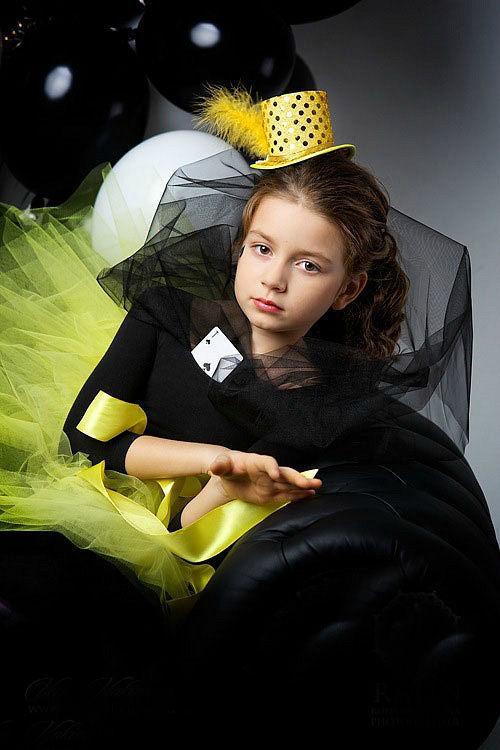 """Шляпы ручной работы. Ярмарка Мастеров - ручная работа. Купить Шляпка-цилиндр """"Карнавал"""". Handmade. Атлас, перья, шляпа, желтый"""