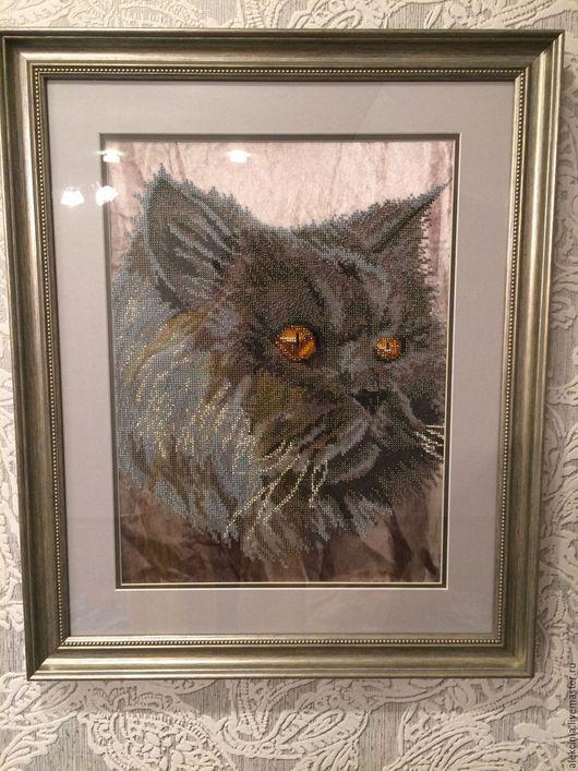 Животные ручной работы. Ярмарка Мастеров - ручная работа. Купить Оформленная картина вышитая чешским бисером 'Кошачий взгляд'. Handmade.