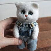 Куклы и игрушки handmade. Livemaster - original item felt toy: Cat in overalls. Handmade.
