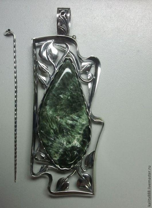 Кулоны, подвески ручной работы. Ярмарка Мастеров - ручная работа. Купить Кулон - брошь серебряный с змеевиком. Handmade. Серебряный