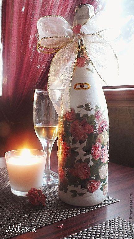 свадебный подарок, декупаж бутылок на заказ. оформление бутылок, празднтичное оформление бутылок, оригинальная бутылка, бутылки декупаж, подарок молодоженам, бутылка с розами