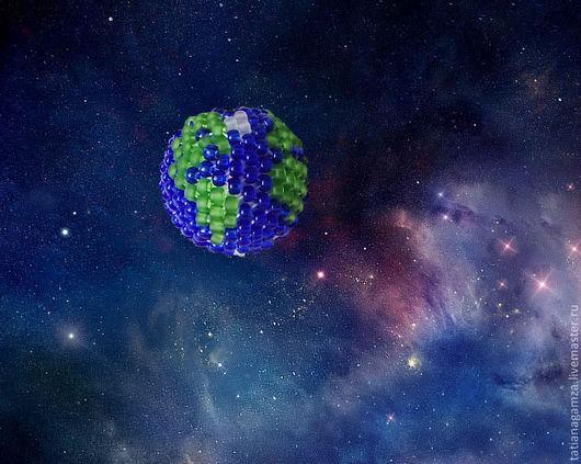 Кулоны, подвески ручной работы. Ярмарка Мастеров - ручная работа. Купить Земля в иллюминаторе. Handmade. Тёмно-синий, оплетенные бусины