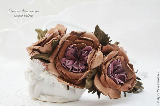 """Диадемы, обручи ручной работы. Ярмарка Мастеров - ручная работа. Купить Ободок """"Английские розы""""  с цветами из натуральной замши. Handmade."""