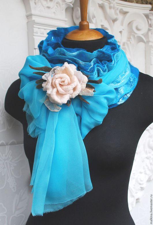 Шарфы и шарфики ручной работы. Ярмарка Мастеров - ручная работа. Купить Голубой шарф-воротник с брошью. Handmade. Бирюзовый