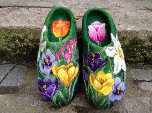 Обувь ручной работы. Ярмарка Мастеров - ручная работа. Купить Тапочки «Весенние». Handmade. Тёмно-зелёный, ручная работа