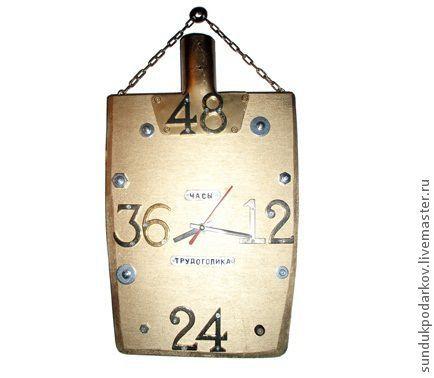 Часы для дома ручной работы. Ярмарка Мастеров - ручная работа. Купить Часы трудоголика. Handmade. Золотой, лопатка, подарок мужчине
