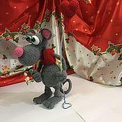 Мягкие игрушки ручной работы. Ярмарка Мастеров - ручная работа Влюблённый крысёнок Яша. Handmade.