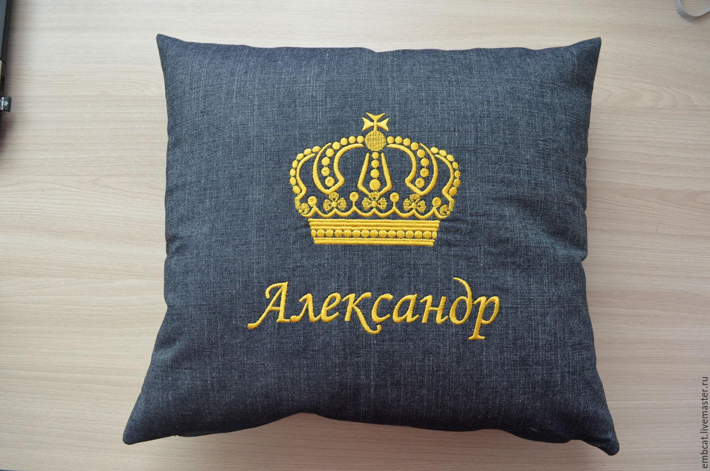 Вышивка на подушках, подушки в машину с логотипом 22