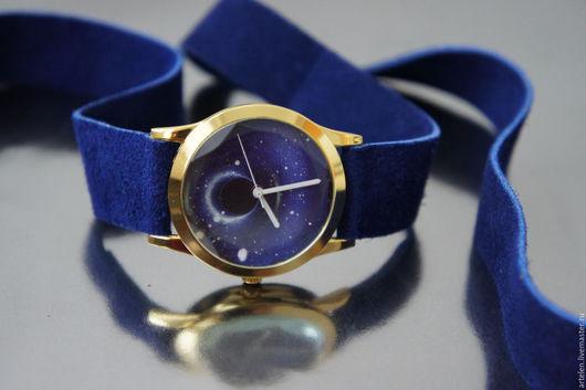 Часы `Плутон` синий цвет, космос, вперед в будущее, космические приключения, футуризм, инопланетный.