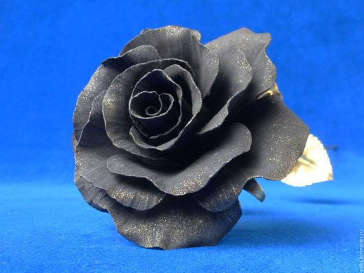 Черная кованая роза из латуни