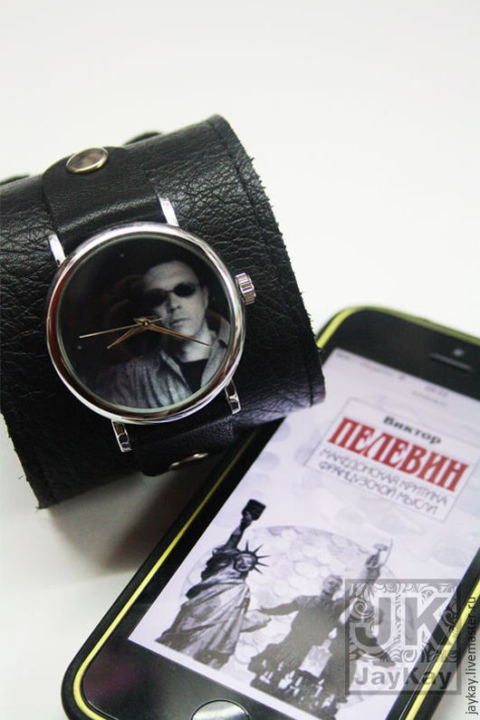 """Часы ручной работы. Ярмарка Мастеров - ручная работа. Купить Часы наручные JK """"Пелевин"""". Handmade. Чёрно-белый, писатель"""
