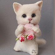 Куклы и игрушки handmade. Livemaster - original item Kitty felted. white. The toy is made of wool. Handmade.