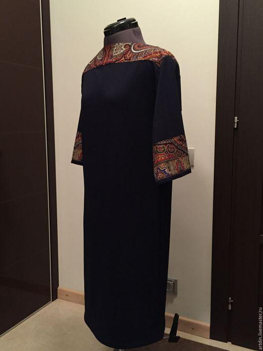 Платья ручной работы. Ярмарка Мастеров - ручная работа. Купить Трикотажное синее с павловопосадским платком. Handmade. Тёмно-синий, платье