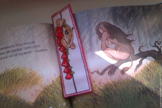 """Закладки для книг ручной работы. Ярмарка Мастеров - ручная работа. Купить Вышитая закладка для книг """"Love you"""". Handmade. Комбинированный"""
