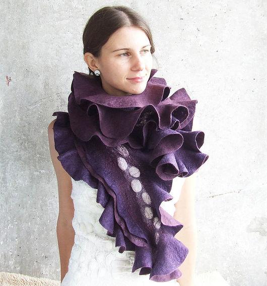 Шарфы и шарфики ручной работы. Ярмарка Мастеров - ручная работа. Купить Войлочный шарф Luxury Plum длинный фиолетовый. Handmade.