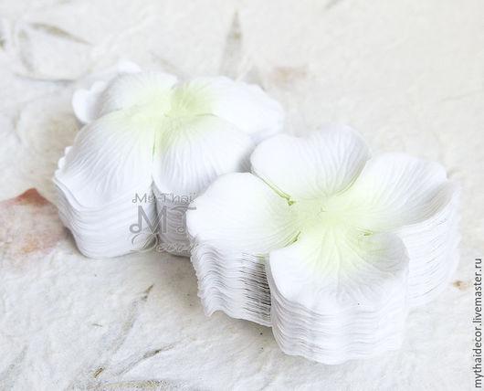 100 шт Лепестки розы бело-зеленые  My Thai материалы для флористики из Таиланда