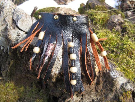 Браслеты ручной работы. Ярмарка Мастеров - ручная работа. Купить Кожаный браслет с деревянными бусинами Юбочка. Handmade. Браслет из кожи